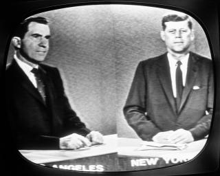 2-primer-debate-televisado-estados-unidos-jhon-fitzgerald-kennedy-y-richard-nixon-ganador-perdedor-television-radio-diferencia-de-opiniones-elecciones-de-1960-democratas-republicanos