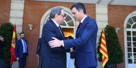 """ADRID, SPAIN - JULY 9: (----EDITORIAL USE ONLY MANDATORY CREDIT - """"SPANISH PRIME MINISTRY OFFICE / FERNANDO CALVO / HANDOUT"""" - NO MARKETING NO ADVERTISING CAMPAIGNS - DISTRIBUTED AS A SERVICE TO CLIENTS----) Spain's Prime Minister Pedro Sanchez (R) meets with Catalan regional president Quim Torra (L) at La Moncloa Palace, in Madrid, Spain on July 9, 2018. (Photo by Fernando Calvo/Spanish Prime Ministry Office / Handout/Anadolu Agency/Getty Images)"""